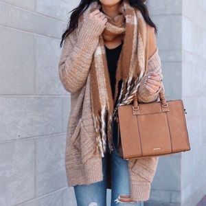Accessories - Fringe scarf
